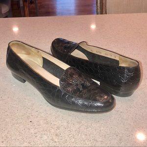 Salvatore Ferragamo vintage black loafers flats